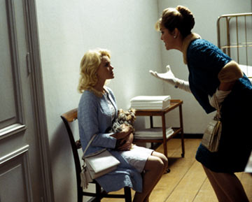 Greta Scacchi as the stage mom of Sandra Dee (Kate Bosworth)